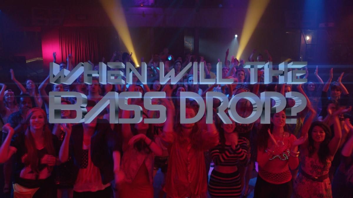 Saturday Night Live Pokes Fun at EDM DJ's & Big Room Drops!