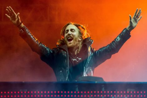 David Guetta Releases 60-min Megamix To Commemorate Huge Upcoming Week!