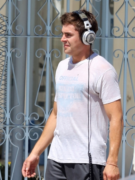 zac-efron-we-are-your-friends-08182014-08-675x900